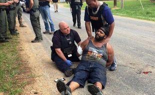 Des policiers arrêtent l'homme qui a tué par balles huit personnes lors d'un drame familial dans le Mississippi.