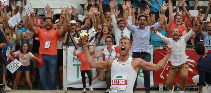 Kevin Mayer savoure son record du monde au Décastar de Talence.
