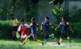 L'équipe féminine de football de Kolsindur à Dacca au Bangladesh le 14 septembre 2015