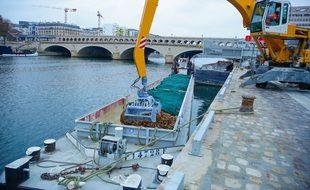 L'opération s'est déroulée ce jeudi matin  port de Bercy (12e arrondissement)