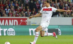 Zlatan Ibrahimovic s'apprête à défier Mickaël Landreau, le 2 septembre 2012 à Lille.