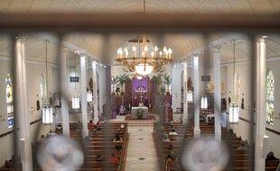 Dans une église catholique de La Nouvelle-Orléans. (illustration)