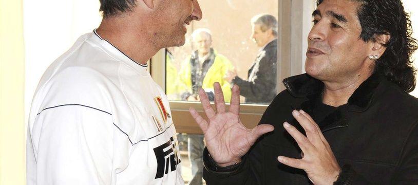 José Mourinho et Diego Maradona en 2009.