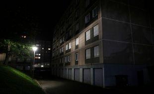 """Un bâtiment du """"Hameau des Perroquets"""" où Mattéo a été poignardé à mort, à Champigny-sur-Marnne."""