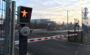 Lille, le 16 fevrier 2017 - Passage a niveau SNCF a Lille Sud