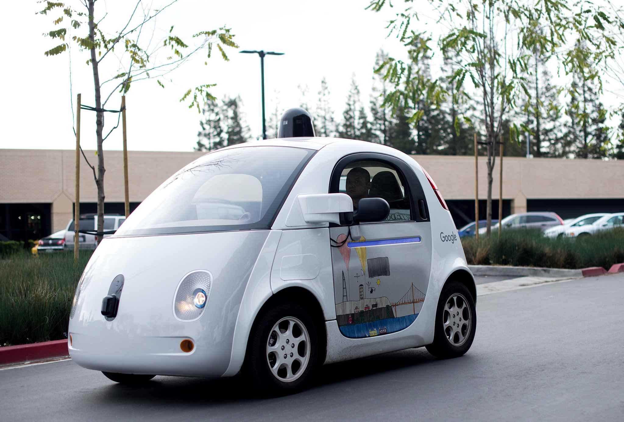 c 39 est la grande confusion autour des voitures autonomes de google. Black Bedroom Furniture Sets. Home Design Ideas
