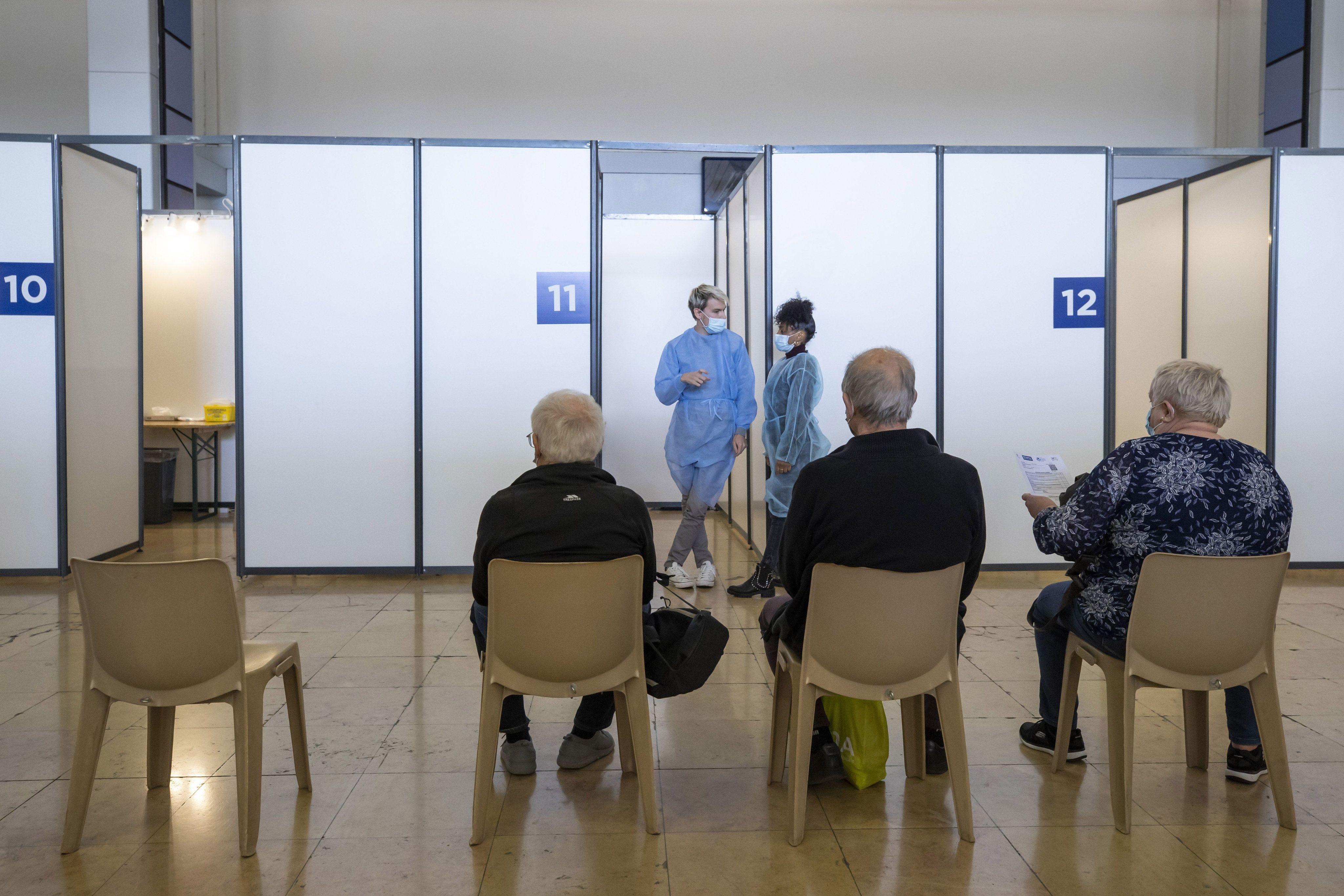 Illustration d'un centre de vaccination.