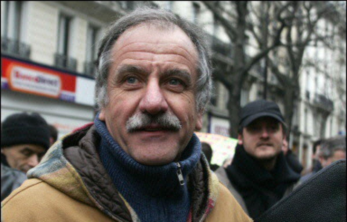 """Noël Mamère, député-maire de Bègles (Gironde), a estimé lundi qu'""""il est grand temps que la gauche travaille au projet plutôt qu'à savoir qui sera le candidat aux présidentielles du PS ou des Verts"""", afin d'être """"capable de présenter une alternative"""". – Jean-Pierre Muller AFP/Archives"""