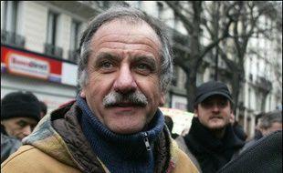 """Noël Mamère, député-maire de Bègles (Gironde), a estimé lundi qu'""""il est grand temps que la gauche travaille au projet plutôt qu'à savoir qui sera le candidat aux présidentielles du PS ou des Verts"""", afin d'être """"capable de présenter une alternative""""."""