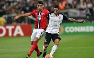 Junior Alonso (à gauche) s'est engagé pour quatre ans et demi avec Lille