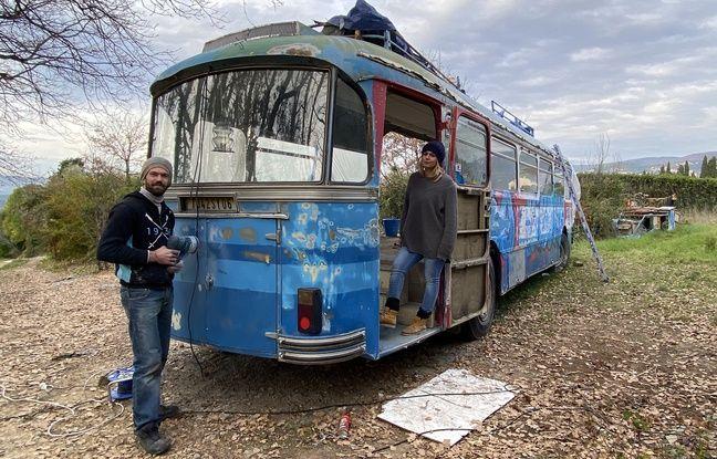 Grasse : Elle transforme un bus en restaurant pour dynamiser le hameau où est morte Edith Piaf