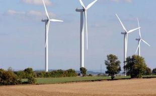 Par Grenelle de l'Environnement, une écrasante majorité des Français comprend développement du solaire et de l'éolien, mais plus de la moitié ignorent que ce plan inclut le doublement des lignes de TGV et la mise aux normes de stations d'épuration, selon un sondage IFOP publié mardi.