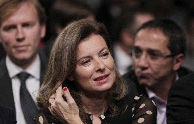 """""""De journaliste, je suis devenue d'abord sujet pour Paris Match"""" : Valérie Trierweiler tire les conséquences de sa relation avec François Hollande et accepte son exclusion de la """"vie collective"""" de la rédaction, le temps de la campagne présidentielle."""