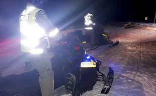 Les autorités poursuivent leurs recherches au Québec, comme ici en pleine nuit, le 22 janvier 2020.
