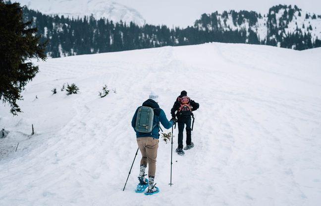 Les alentours de Courchevel (Savoie) sont notamment propices aux randonnées en raquettes.