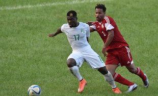 Le défenseur du PSG Serge Aurier avec la Côte d'Ivoire le 25 mars 2016 à Abidjan.