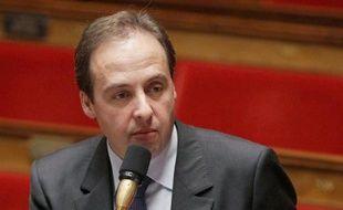 Le numéro deux du Nouveau Centre (NC), le parti d'Hervé Morin, Jean-Christophe Lagarde, annonce dans un entretien au quotidien gratuit Métro mardi qu'il soutiendra Nicolas Sarkozy pour la présidentielle.