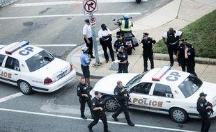 L'extérieur du Congrès américain après que des coups de feu y ont été tirés, le 3 octobre 2013.