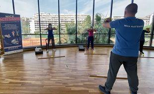 Aurélien Lazzaro, référent du dispositif, adapte ses séances d'activité physique à chaque patient Covid long