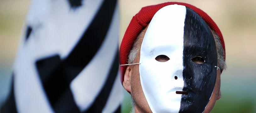 Un militant breton du mouvement «Bonnets rouges»