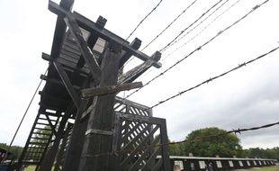 L'ancienne secrétaire d'un camp de concentration nazi a été mise en accusation pour complicité de meurtres dans plusieurs milliers de cas.