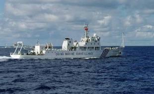 Six navires chinois de surveillance se sont approchés vendredi d'un archipel de mer de Chine orientale nationalisé par le Japon, une démonstration de force de Pékin qui affiche ainsi sa volonté de faire respecter ses droits.