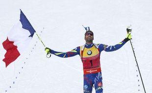 Martin Fourcade lors de sa victoire en poursuite le 6 mars 2016.