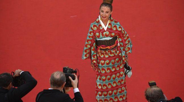 Victoria Abril sur le tapis rouge du Festival de Cannes, le 17 mai 2017. – Antonin THUILLIER, Aurelia BAILLY / AFP