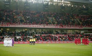La minute de silence du match Grèce-Turquie a été perturbée.