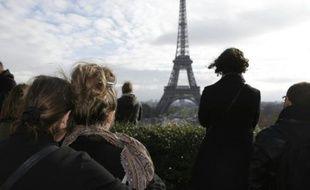 Minute de silence à Paris au Trocadéro le 16 novembre 2015