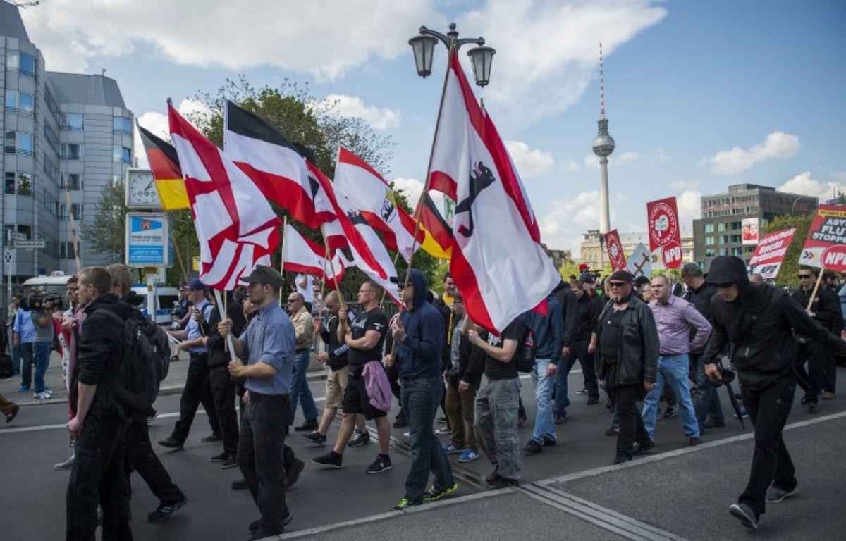 Des partisants du NPD le 26 avril 2014 à Berlin. – ODD ANDERSEN / AFP
