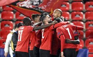Les Rennais se félicitent après le but de Guirassy face à Krasnodar.