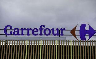 L'enseigne d'un magasin Carrefour. (illustration)