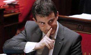 Le Premier ministre Manuel Valls à l'assemblée le 17 décembre 2014