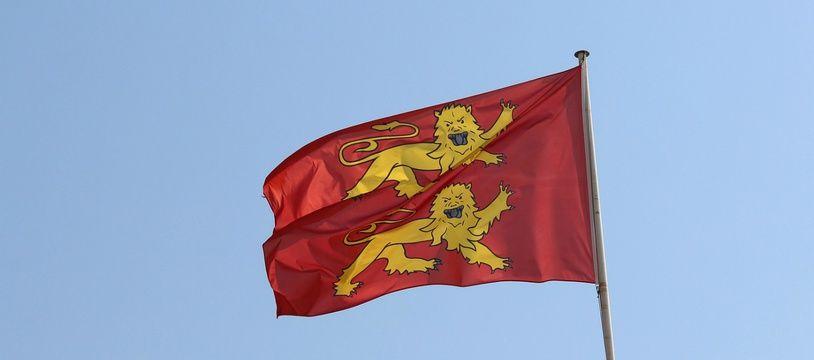 Le drapeau de la Normandie (illustration).