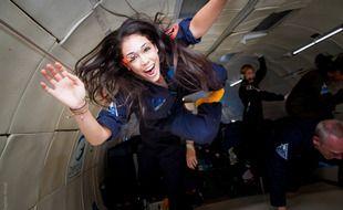 Kellie Gerardi, chercheuse star de TikTok, lors d'un vol parabolique.