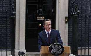 Le Premier ministre britannique et leader du Parti conservateur, David Cameron, lors d'une conférence de presse devant le 10 Downing Street à Londres, le 8 mai 2015.