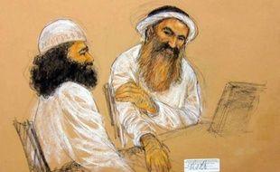 Près de onze ans après les attentats du 11-Septembre, leur cerveau autoproclamé et quatre de ses complices ont été mis en accusation samedi à Guantanamo pour le meurtre de 2.976 personnes, après avoir défié la justice militaire par leurs prières et leur mutisme.