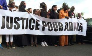 Plusieurs milliers de personnes manifestent pour Adama Traoré