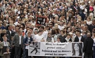 Environ 2.500 personnes ont participé à la marche en hommage à Aurélie Châtelain, à Caudry.