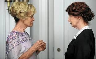Les actrices Jessica Lange (à g.) – qui a reçu un Golden Globe pour ce rôle – et Frances Conroy.