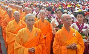 Deux Taïwanaises prévoient de se marier le mois prochain lors d'une cérémonie bouddhiste, la première à célébrer un mariage homosexuel, qui reste officiellement interdit à Taïwan, pourtant un des pays d'Asie de l'est les plus progressistes en matière de moeurs.