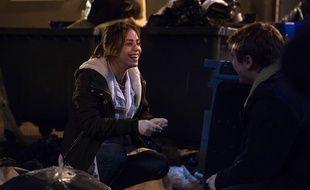 Alice Belaïdi face à Zacharie Chasseriaud dans une scène de la saison 1 de la série «Hippocrate».