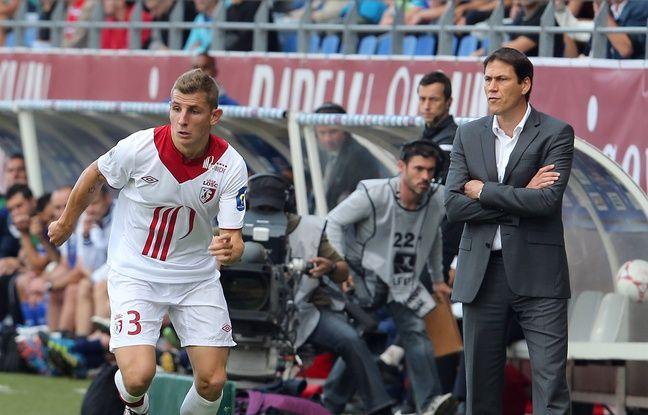 Rudi Garcia durant sa période lilloise, ici en septembre 2012 aux côtés du latéral gauche formé au Losc Lucas Digne.