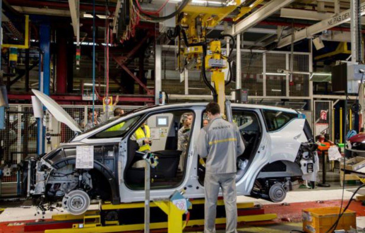 La chaîne de montage d'un modèle Espace de Renault le 26 novembre 2014 dans l'usine française de Douai (Nord) – PHILIPPE HUGUEN AFP