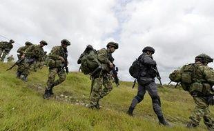 Les troupes militaires colombiennes se déploient dans la région de Quibdo, le 19 novembre 2014