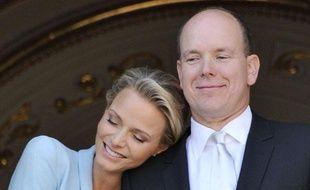 Charlene Wittstock et Albert II de Monaco lors de leur mariage civil, le 02 juillet 2011.