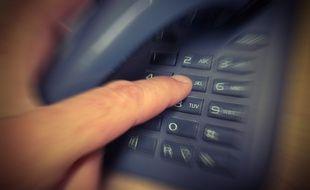 Les victimes sont invitées à rappeler un numéro surtaxé.