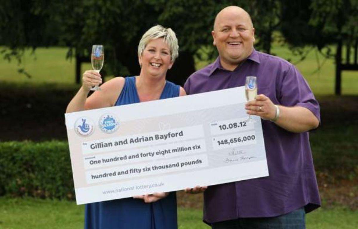Gillian et Adrian Bayford, les gagnants britanniques de la cagnotte record de l'Euromillions, le 14 août 2012. – Beretta/Sims / Rex Feat/REX/SIPA
