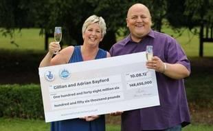 Gillian et Adrian Bayford, les gagnants britanniques de la cagnotte record de l'Euromillions, le 14 août 2012.